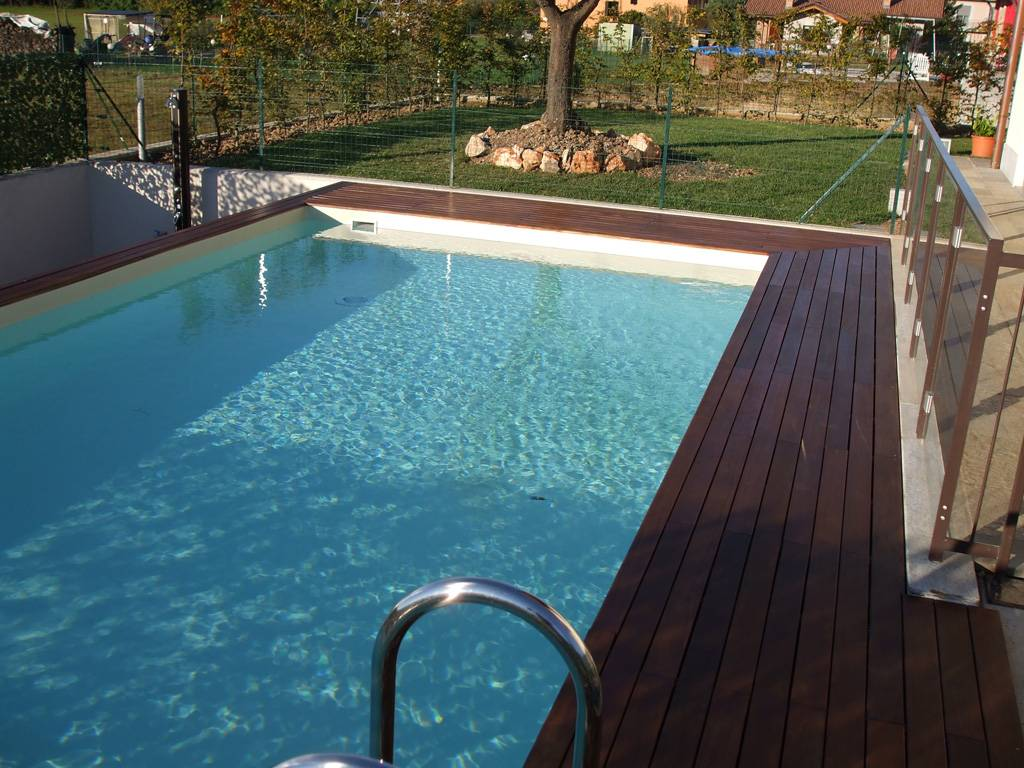 Modelli piscine interrate piscina laghetto dolce vita - Piscine laghetto usate ...