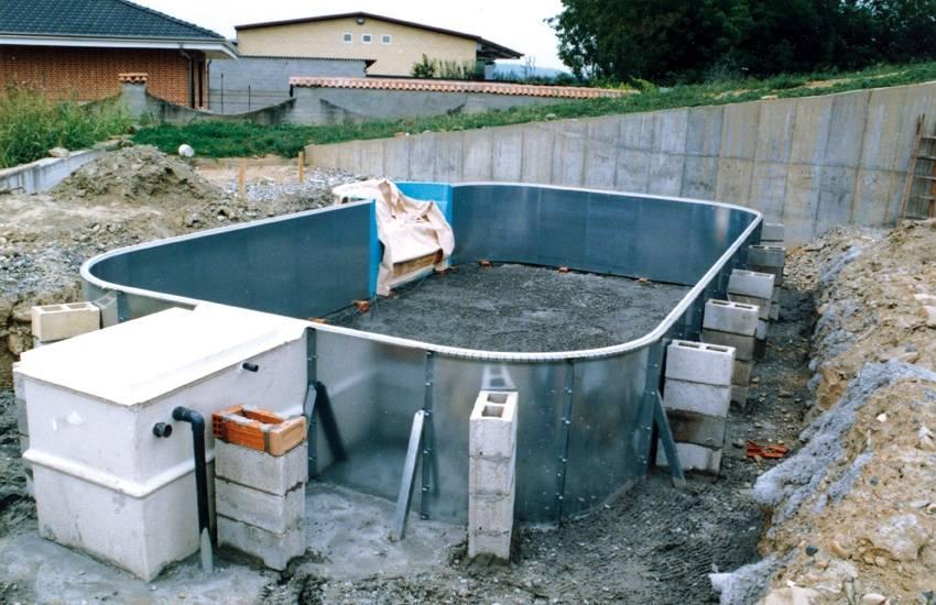 Installazione delle piscine interrate linea start solaris for Piscine fuori terra pvc
