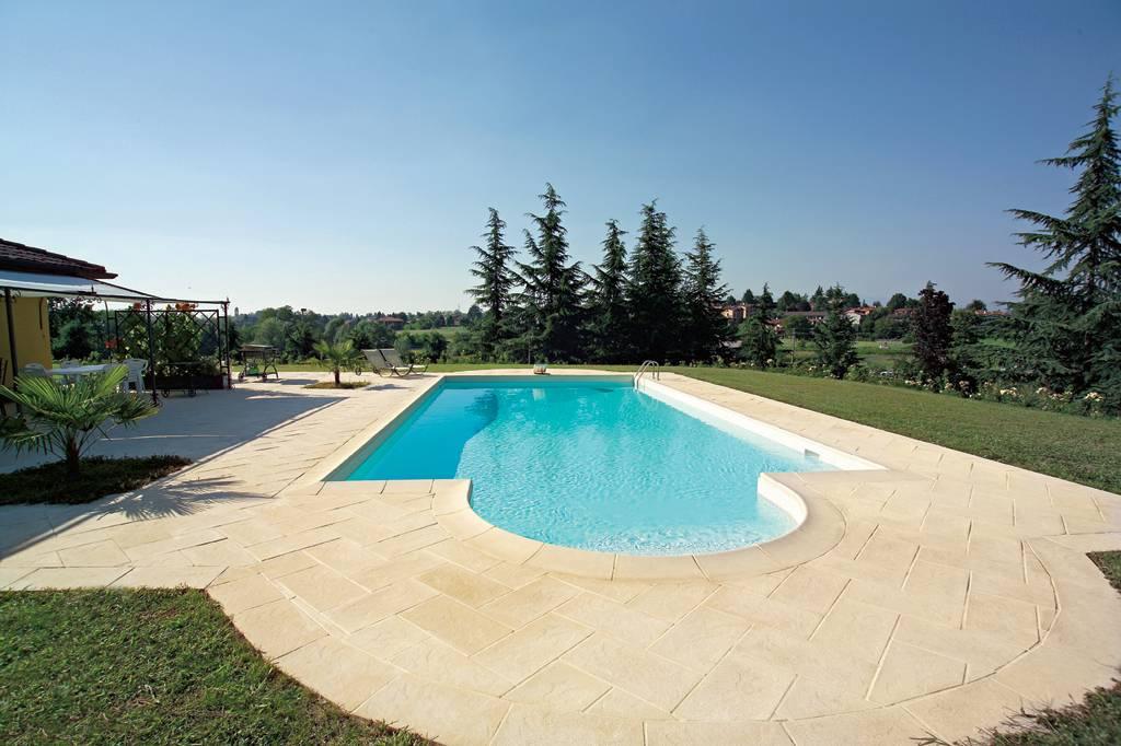 Bordi e pavimenti standard nelle piscine solaris solaris - Piscine naturali piemonte ...